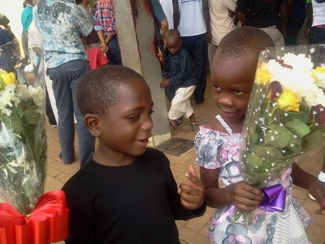 Ankunft von Bettina und Ines in Uganda, Juli 2014
