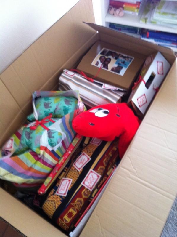 Brigitte Weihnachtsgeschenke.Weihnachtsgeschenke Für Unsere Schützlinge In Uganda Help For A Smile